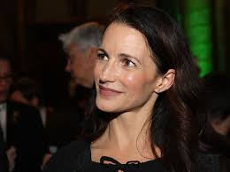 Kristin Davis - Wikipedia Nook Simple Touch Wikipedia Neshaminy Mall James Noble Tyner Barnes And Com Bnrv510a Ebook Reader User Manual Rosetta Stone With At And 1200px On Albert C Grays Anatomy Colctible Edition Youtube Oak Park The Review