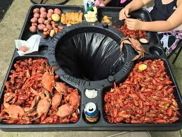 Crawfish Boil Table Decorations by Crawfish Table On A Garbage Can Genius Gadgets And Cool Stuff