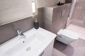 sanitärobjekte im badezimmer im überblick