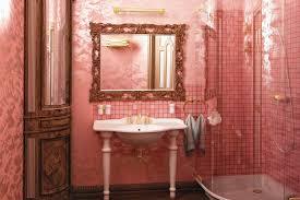 pink bathrooms fan site aims to preserve 50s decor realtor com