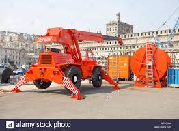 Vehicle Mounted Crane Stock Photos & Vehicle Mounted Crane Stock ...