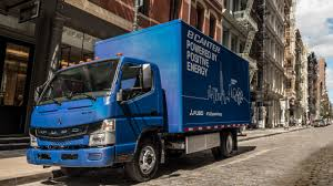 100 Penski Truck Daimler Delivers FUSO ECanter To Penske Leasing In US