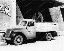 Old Beer Delivery Trucks | ... Soda Delivery Truck 1930s Vintage ...