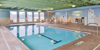 Halloween Express Maplewood Mall by Holiday Inn Express Rochester University Area Hotel By Ihg