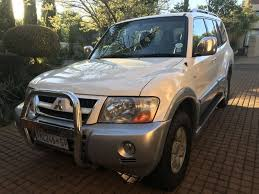 mitsubishi pajero suv leather interior