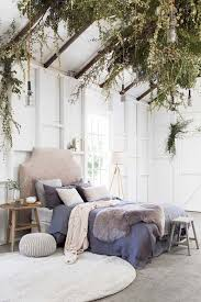 Cozy Bedroom Decorating Ideas For Winter 01 1 Kindesign