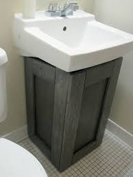 Home Depot Pedestal Sink Cabinet by Home Depot Has A Cabinet That Fits Around A Pedestal Sink I So