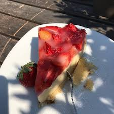 erdbeere schmand kuchen und apfel streusel kuchen