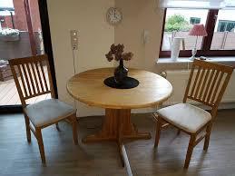 esszimmer tisch und 2 stühle
