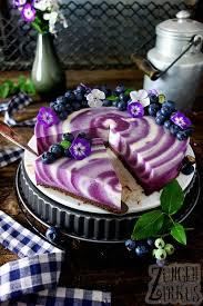 no bake cheesecake mit heidelbeeren und bröselboden