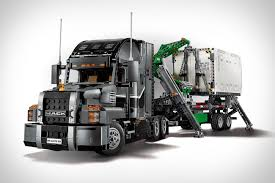 Lego Technic 2-in-1 Mack Truck