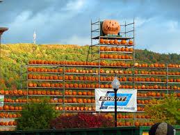 Pumpkin Festival Maine by Smaller Pumpkin Festival Makes Comeback After 2014 Violence