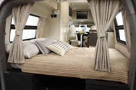 100 2011 Airstream Avenue Class B Motorhome Bed