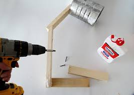 To Make The Base Glue And Screw Two 8 In Wood Pieces Aligned With End Of You Must Place One On Each Side Use Screws Fix