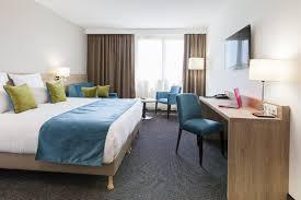 hotel et dans la chambre quality hotel chambre supérieure hôtel quality comfort gradignan
