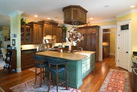 Corner Kitchen Cabinet Ideas by Traditional Style Kitchen Design With Wooden Kitchen Cabinetry And