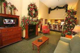 Adventures In Decorating Christmas by 21 Holiday Hotel Packages For Families In 2017 Family Vacation