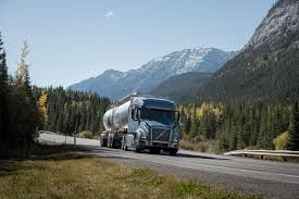 100 Volvo Truck Center IoT Data With Artificial Intelligence Reduces Downtime