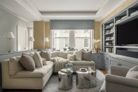 kleines wohnzimmer großes sofa so setzen sie die in