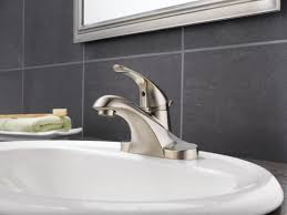 Delta Windemere Bathroom Faucet by Faucet Com B510lf In Chrome By Delta