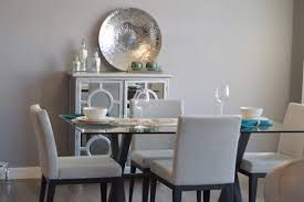 modernes esszimmer in grau glastisch und polsterstühle a