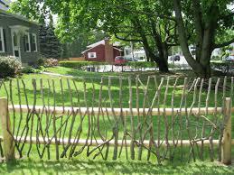 Decorative Garden Fence Posts by 8 Best Primitive Garden Fencing Images On Pinterest Fence Ideas