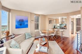100 Manhattan Duplex Take Your Living Sky High With This Large Two