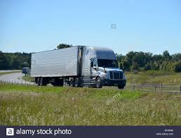 100 Commercial Truck Routes Big Rig American Semi Trailer Articulated Tanker Truck Speeds Along