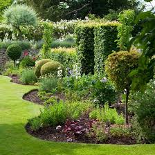 Quirky Garden Borders Adding A Fun Softer Aspect To This Formal Is The Uneven Wave Like Border Filled With Mix Of Plants Offering Different
