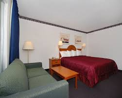 Bed And Biscuit Sioux City by Rodeway Inn U0026 Conference Center 2017 Room Prices Deals U0026 Reviews