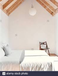 blick auf das schlafzimmer mit gewölbter decke spencer