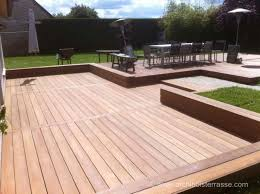 terrasse bois classique au sol sur gazon béton remblais 27 78 92
