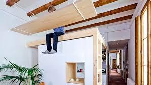 solution bureau gain de place et pourquoi pas un bureau fixé au plafond
