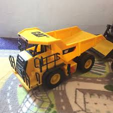 100 Caterpillar Dump Truck Toy State Construction Job Site Machines