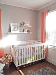 chambre bébé grise et chambre bébé fille grise et corail