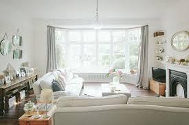 wohnzimmer im landhausstil weiße dekorationen zwei weiße