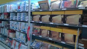 magasin de fournitures de bureau fournitures de bureau se vendant au magasin photographie éditorial