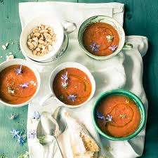 kalte tomaten melonen suppe