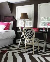 Pink Zebra Accessories For Bedroom by How To Incorporate Zebra Print Into Your Bedroom U0027s Décor