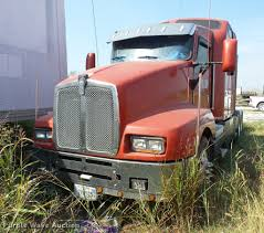 1995 Kenworth T600 Semi Truck | Item J8590 | SOLD! October 1... 1983 Kenworth K10 Semi Truck Item Dq9447 Sold September Truck Bank Repos For Sale Special Lender Financi Flickr 2000 Freightliner Fld Db0028 Decem 1972 Mack R Sale Sold At Auction July 16 2015 1986 Volvo White J6216 August 18 T Ok And Trailer Sales Alinum Semi Trailers For Livestock Cfigurations Awesome Trucks In Okc 7th And Pattison Refuse Trash Street Sewer Environmental Equipment 1999 T800 K8818 June 30 C Med Heavy Trucks For Sale 2009 Fld120 Sd Db4076