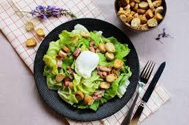 recette cuisine lyonnaise salade lyonnaise délicieuse recette facile et rapide lunakim
