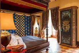 tour de chambre découvrez la chambre michel de montaigne au château la tour