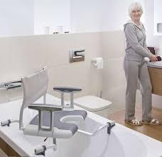 siege de baignoire siège de bain pivotant sorrento invacare