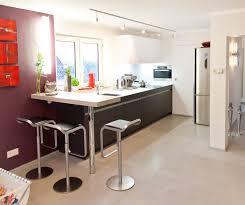 moderne leicht küche mit glas arbeitsplatte und theke