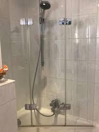 duschabtrennung in glas für badewanne mit befestigung links