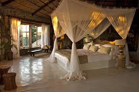 luxus schlafzimmer mit himmelbett suche