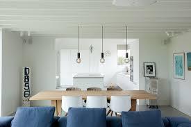 moderner offener wohnraum mit durchgang bild kaufen