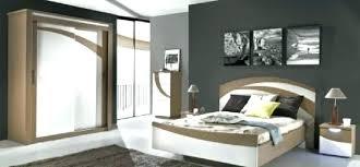 chambre bois massif contemporain chambre contemporaine ambre dactails verre noir meubles bois massif