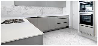 hd porcelain tile looks like a convincing carrara marble bath