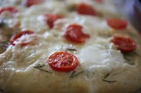 recette focaccia tomate mozza cuisine du soleil recettes